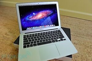 "MACBOOK AIR 13"" MINT CONDITION Cambridge Kitchener Area image 1"