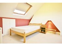 Split-level two double bedroom conversion flat in Oval just £370.00pw