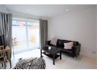 SE24-STUNNING STYLISH TWO BED WITH PRIVATE TERRACES AVAILABLE JUST IN TIME FOR CHRISTMAS ONLY £370