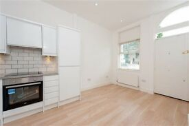 Newly Refurbished 2 Bed Flat - in Great Location
