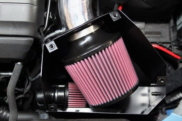 Inside the Mishimoto airbox for the VW MK7