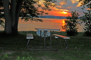 MotelLeCharentais,swimming pool,Face st-Laurent River,$55+/night