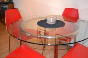 Glass Table (IKEA model SALMI)