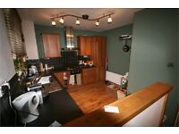 Spacious 4 Bed - Available NOW - Oval