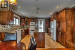Beautiful House to rent located in Kenmount Terrace St. John's Newfoundland image 4