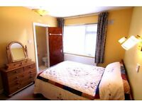 ***Classy Ensuite Room*** with a living room***