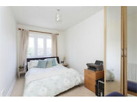 Large 2/3 bed apartment by the River Thames ... accepting PART DSS, Students, Companies and Shares