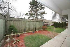 1ST FLOOR with large PRIVATE PATIO!!!! Richmond Hill - Yonge St