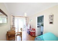 Three bedroom flat up for rent do not miss out