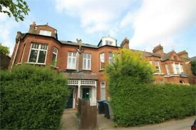 ONE BEDROOM TOP FLOOR FLAT - MINUTES TO ZONE 2 TUBE STATION! CALL NOW FOR VIEWING