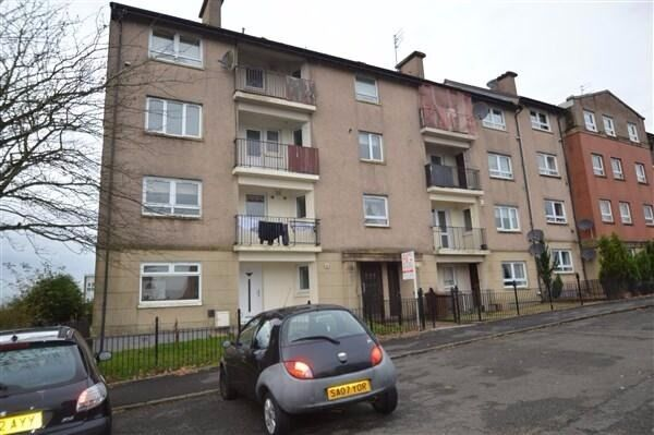 Large ( 130m2) beautifully presented 4 bedroom flat for ...