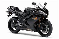 Cherche fille pour te faire un tour de moto sport