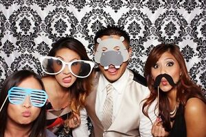 Photo Booth 350$ 2 hours all included