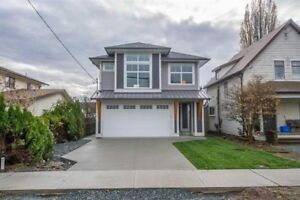 Brand New 3 Bed 2 Bath House (Upstairs) For Rent