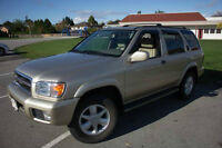 *2001 Nissan Pathfinder 3.5 LE (Low Mileage and Good Condition)