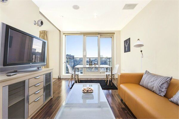 ( 2 ) Two bedroom in Peninsular Apartments, Paddington / Edgeware Road, W2 £630 pw! Available Now!