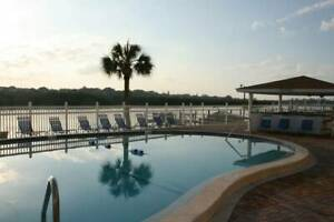 CHRISTMAS AND MARCH OPEN. Beautiful beach condo in INDIAN SHORES