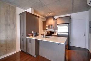Downtown Condo Rental - Modern 1 Bedroom + Office