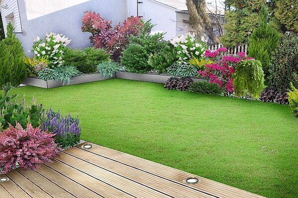 Garden maintenance services cut gras paving turfing