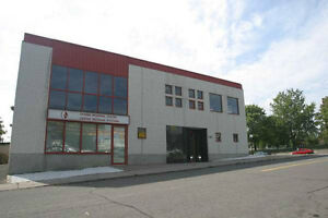 2100 SQFT- COMMERCIAL SPACE- MEDICAL/OFFICE BUILDING-CARLING AVE