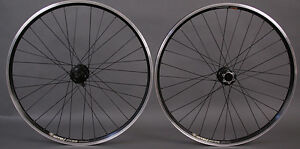 New-in-Box-Shimano-XT-Thru-Axle-Front-XT-6-Bolt-Disc-26-Mountain-Bike-Wheelset