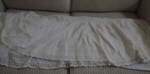 Twin bed eyelet bed skirt
