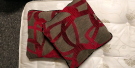 Pair of beautiful high quality scatter cushions