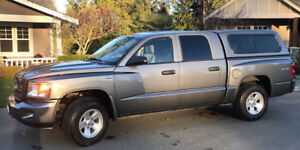 2011 Dodge Dakota SXT Crew Cab, LOW MILES, NO ACCIDENTS