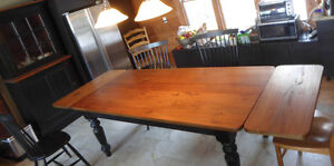 Very large harvest table with two built-in leaves