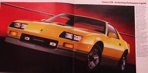 chevrolet camaro z-28,1986 à vendre en pièces détachées.