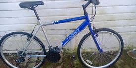 SALE 😊 £38 OFF. Apollo Target hybrid mountain bike