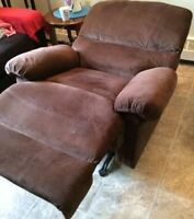 FS: Rocker Recliner in Excellent Condition