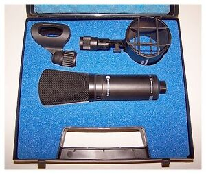Beyerdynamic MC834 Professional Studio Microphone Brunswick West Moreland Area Preview