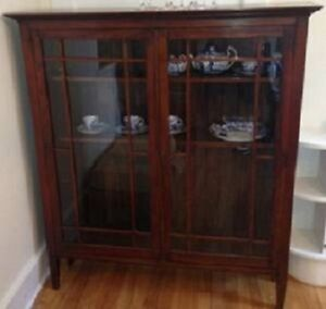 ANTIQUE MAHOGANY CURIO CABINET