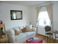 ****WELL PROPORTIONED ONE BEDROOM FLAT AVAILABLE NOW IN FITZROVIA****