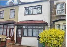 Fabolous, spacious 3 bed house 2 reception house available in Mid April..MUST SEE!!