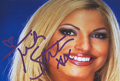 WWF WWE TRISH STRATUS SEXY AUTOGRAPHED HAND SIGNED PHOTO WRESTLING PICTURE