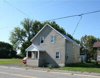 3 bedroom home 40 minutes from Ottawa