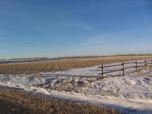 Great Acreage West Of Olds