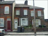 1 bedroom flat in Hartley Road, Town