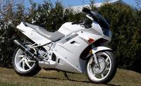 """Stunning White Honda VFR-750 Interceptor. "" NEW PRICE"""