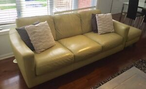 natuzzi buy or sell a couch or futon in ontario kijiji. Black Bedroom Furniture Sets. Home Design Ideas