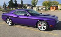 2010 Dodge Challenger SRT Coupe (2 door)