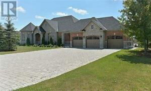 9 Beau Crt Aurora Ontario Great house for sale!