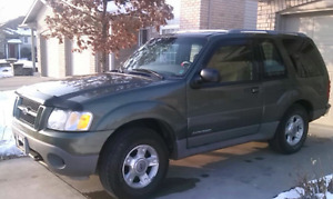 2001 Ford Explorer 196 k $1000 firm AS IS