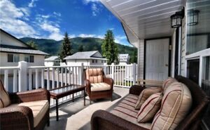 White Pines  Mara Lake Sicamous Rental