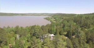 Beautiful 9 acre property on Lake Temiscamingue