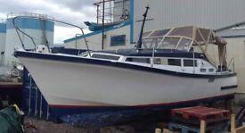 Boat - Aquabell 28 Cabin Cruiser