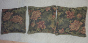 3 decor cushions in good, clean condition