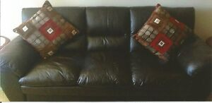 Brown Leather Sofa & Loveseat Set.